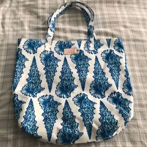 Lilly Pulitzer Bags - Lilly Pulitzer bag EUC tote rare hard to find